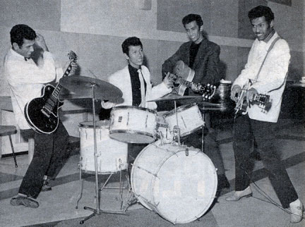 Mengenal Band Rock Tertua Di Dunia Asal Indonesia : The Tielman Brothers (4/6)