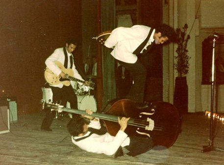 Mengenal Band Rock Tertua Di Dunia Asal Indonesia : The Tielman Brothers (3/6)